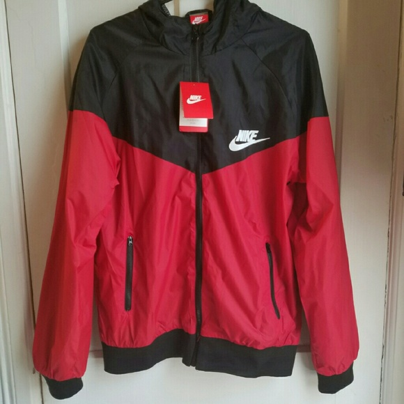 bba7e922cfb5 NWT Nike Windrunner Black Red