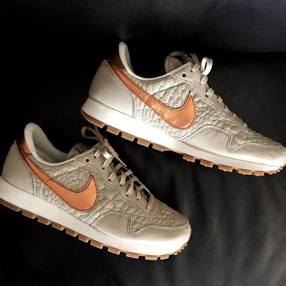 low priced 7f3f9 e3230 Nike Air Pegasus 83 Premium Quilted Ltd Sneakers