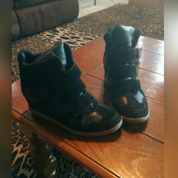 1848621904d48 Skechers Shoes | Sketchers Skch3 Black Suede Hidden Wedge Sneaker ...