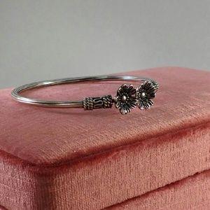 Jewelry - Sterling Silver Flower Bracelet