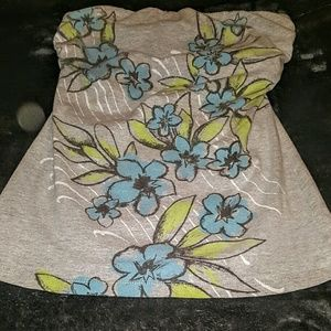 FANG Tops - Like New! Grey Blue Floral Sleeveless Top