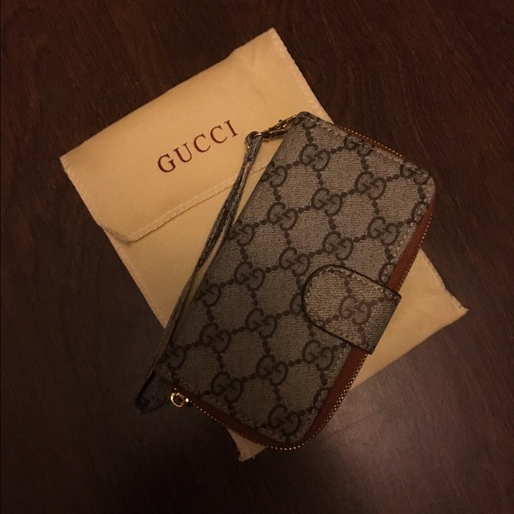 save off beb66 1605e Gucci iPhone 6/6s wallet case