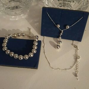 Jewelry - Necklace, earrings and braclets set