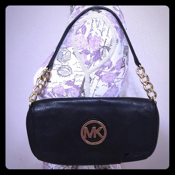 Michael Kors Handbags - MICHAEL KORS Fulton Black Leather Clutch - BG-10