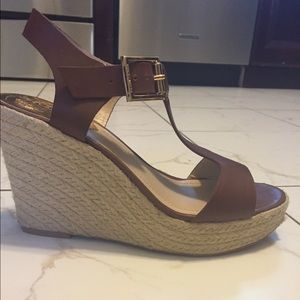 Vince Camuto Wedge Espadrilles Brown Leather 7