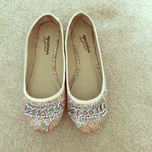 Arizona Jean Company Shoes - Arizona Jean Co. Paisley/Floral Patterned Flats