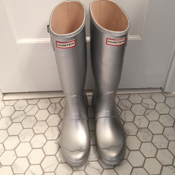 Hunter Shoes - Women s Size 7 Silver Tall Hunter Rain Boots 1320040275
