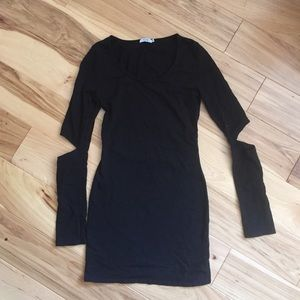 TOBI CUT-OUT BACK AND ELBOW DRESS