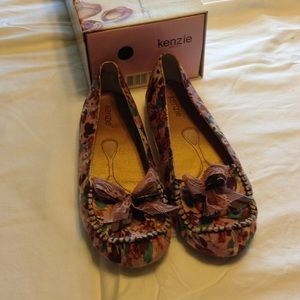 Kenzie fabric flats with bow