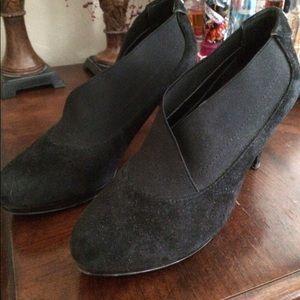 Anne Klein Shoes - Anne Klein black suede booties. Like new