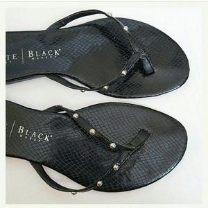 64 off white house black market shoes white house black. Black Bedroom Furniture Sets. Home Design Ideas