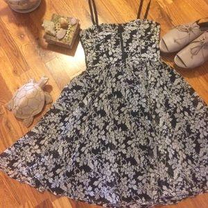 Alice + Olivia Dresses & Skirts - Alice + Olivia bustier floral dress.