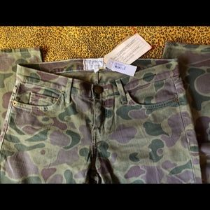 Current Elliott The Ankle Skinny Army Camo size 28