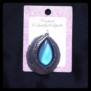Jewelry - Silver Feather Pendant w clear blue stone -JW-81