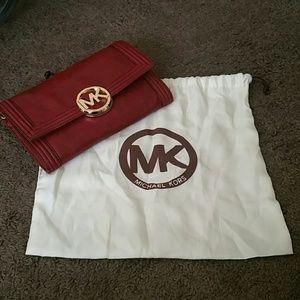 Reduced Micheal Kors clutch/crossbody w/dustbag