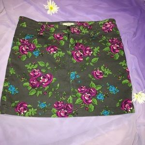 1hr sale🌹 love H81 floral gray Jean mini skirt
