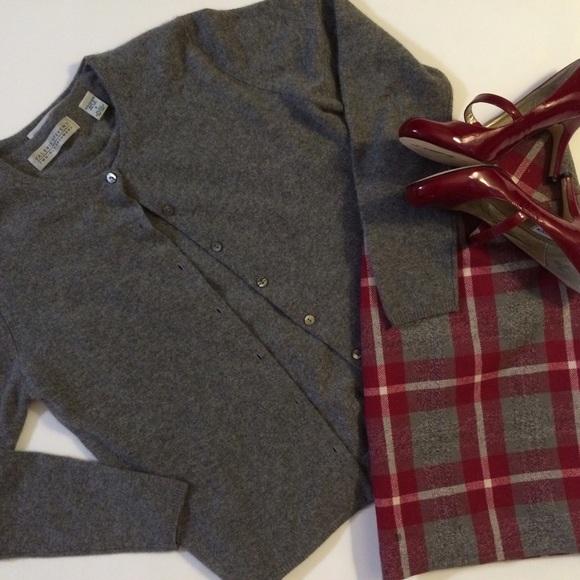 81% off Valerie Stevens Sweaters - ✨SALE✨Valerie Stevens ...