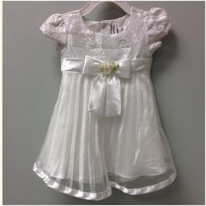 Youngland Other - 🎉HOST PICK 11/27🎉 Youngland Infant Dress