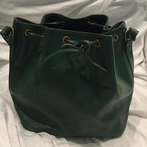 Authentic Louis Vuitton Petite Noe -Green Epi