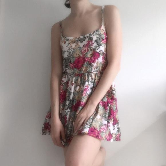 Forever 21 Dresses - Charlotte Russe Flower Dress