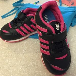 K-Swiss Other - KSWISS Toddler size 7 black & neon pink sneakers❤️