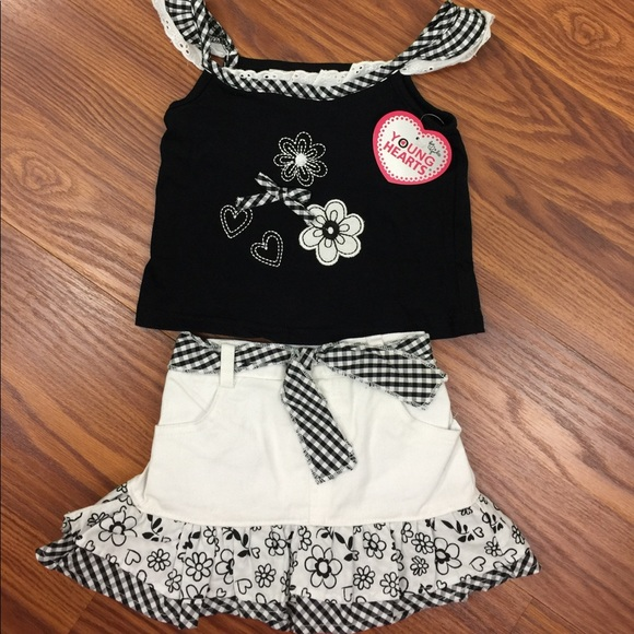 a76f6e558fe3 Young Hearts NWT girls skort and top set