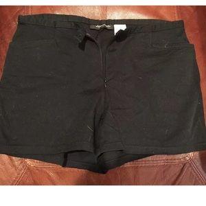Xhilaration pre-owned size 7 black stretch shorts