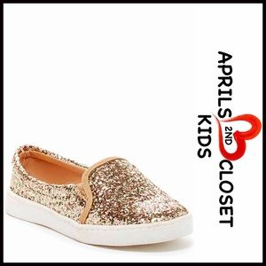 Boutique Other - GLITTER SNEAKERS SLIP ONS FLATS