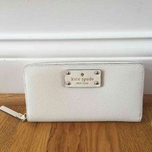 ❗️SALE❗️$158 Kate Spade wallet