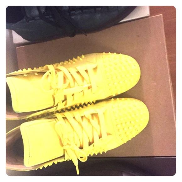 d22b7eda4e4 Men's yellow suede Christian Louboutin sneakers