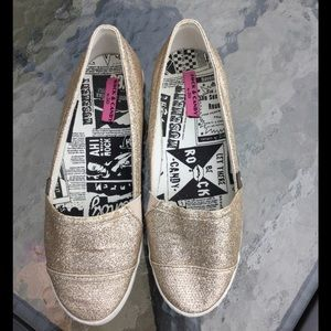 Rock & Candy Shoes - Rock & Candy gold glitter flats - like new