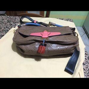 7eb98becaecd Louis Vuitton Bags - Louis vuitton underground messenger mastic