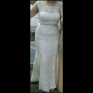 Betsy & Adam Ivory prom dress