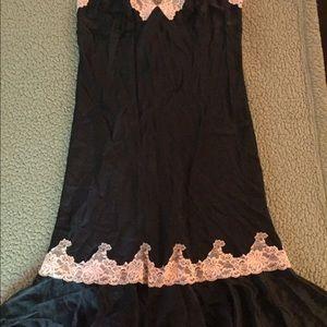 Victoria's Secret Dresses - Victoria's Secret silk Négligée