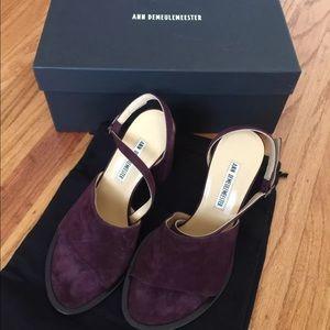 Ann Demeulemeester Shoes - Ann Demeulemeester prune pump NEW 36