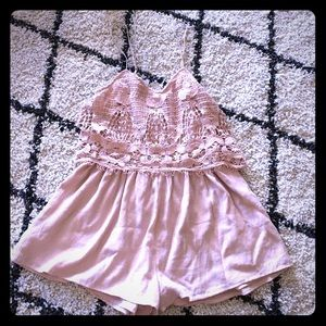 American Eagle Outfitters Dresses - Delicate pink romper