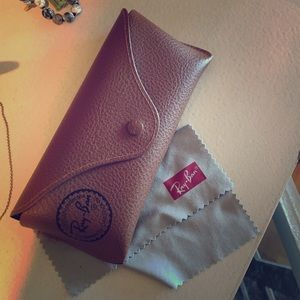 Authentic ray ban glasses case and cloth