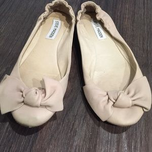 Steve Madden pale blush flats with bow. 6.5
