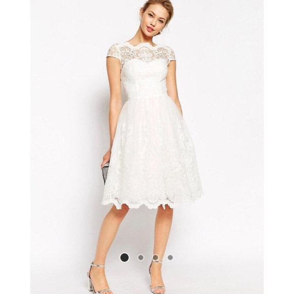71fdf7baaf92 Chi Chi London White Lace Midi Dress