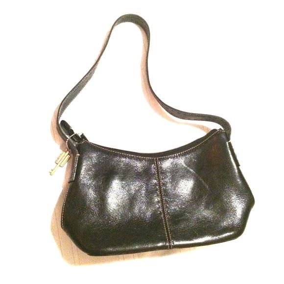 Fossil Handbags - 🎉11/02/19 HP🎉 Fossil black leather bag