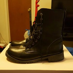 Shoes - 🔴SOLD🔴PU Black Leather Boots