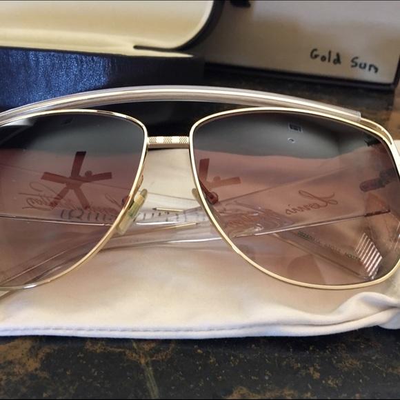 b0a013286208 Louis Vuitton Accessories - Louis Vuitton sun glasses women s gold sun
