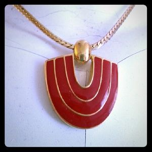 Jewelry - Red and gold simple vintage necklace