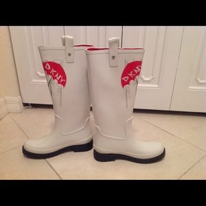 0c3ba20eaacd DKNY Shoes - Sale! DKNY NIAGARA FUNKY HIGH RAIN BOOTS