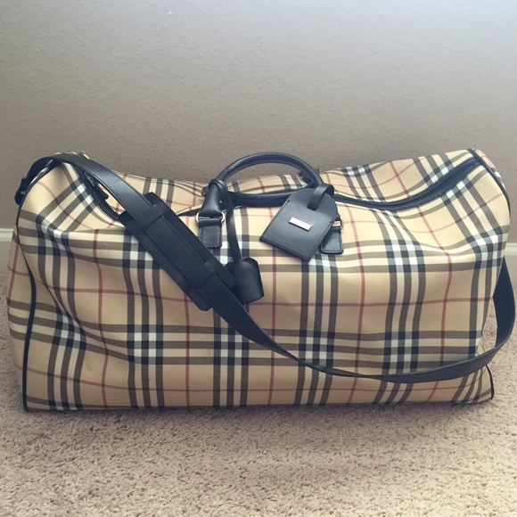 3795fe7d0f60 Burberry Handbags - Authentic Burberry Duffle Overnight Bag