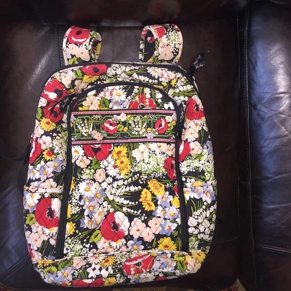 f0258205900b Large Vera Bradley Poppy Fields backpack. M 57a8f1132ba50a7e6f04613a