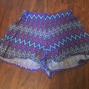 Junior Aztec print flowy shortsj