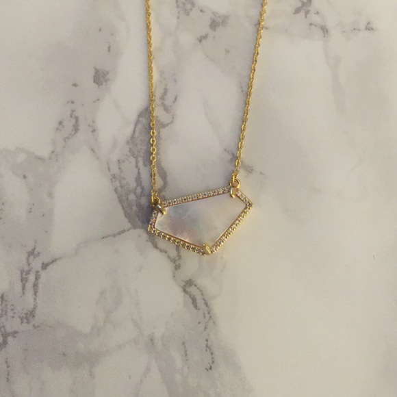 Jewelry - Kendra Scott Mother of Pearl necklace