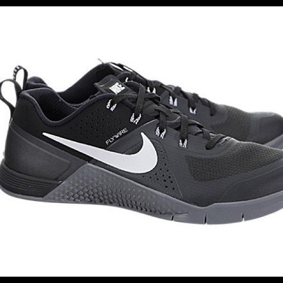 Nike Metcon black women 7.5 men 6 Anthracite Grey
