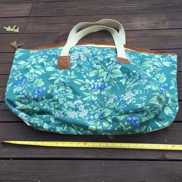 278c3a03f0 Laura Ashley Handbags - Laura Ashley large floral canvas tote.